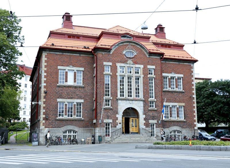 图书馆建筑Kallio在赫尔辛基在一多云天 图库摄影