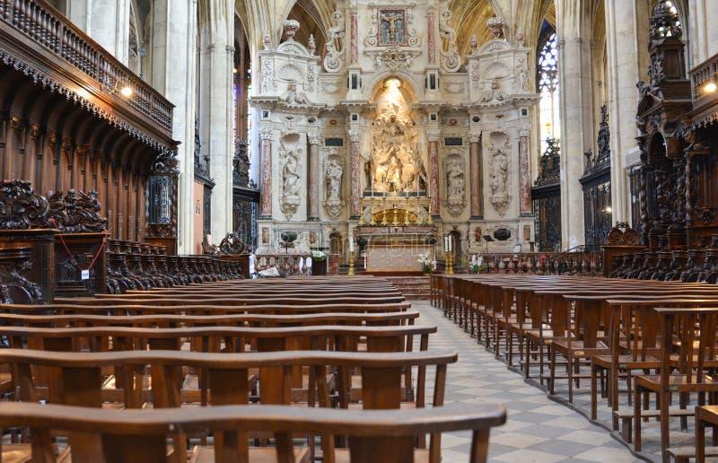 图卢兹,法国- 2016年7月23日:里面图卢兹大教堂 免版税库存图片