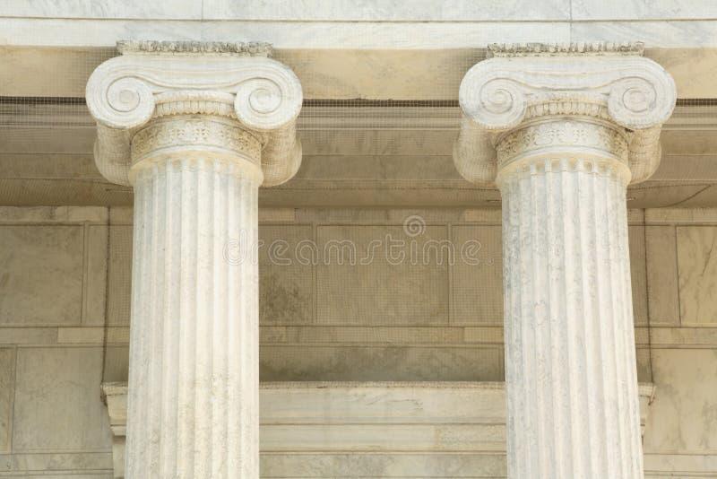 图标式的大理石柱子 免版税图库摄影