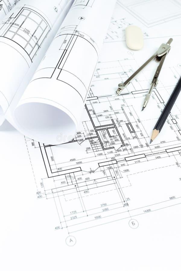 图纸、卷和绘图工具 免版税库存照片
