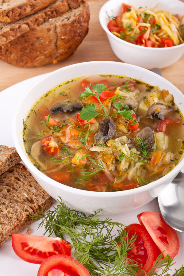 圆白菜蘑菇汤 免版税库存图片