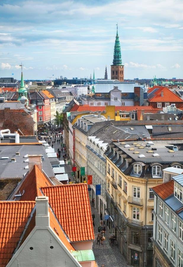 从圆的塔的看法在哥本哈根 库存图片