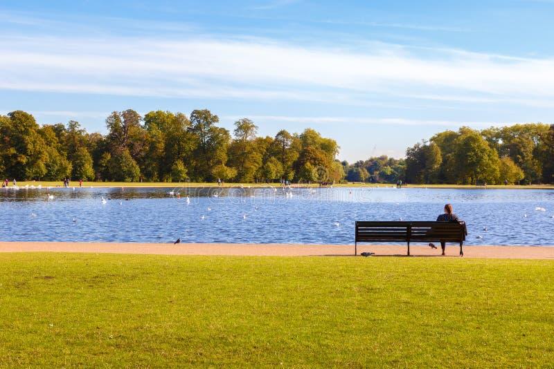 圆的池塘在伦敦 免版税库存照片