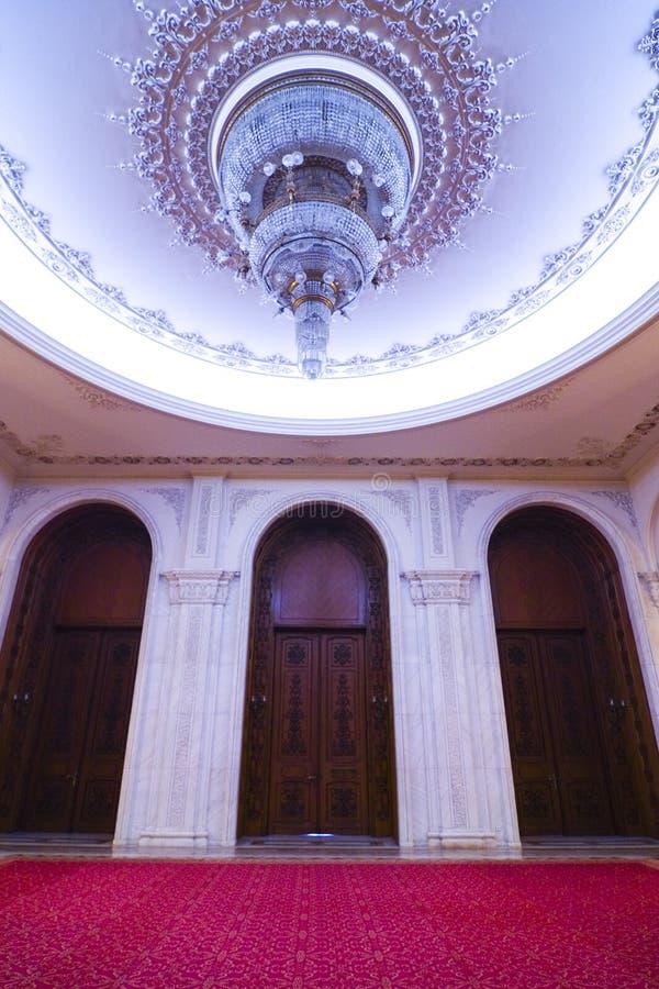 圆顶内部宫殿 免版税库存照片