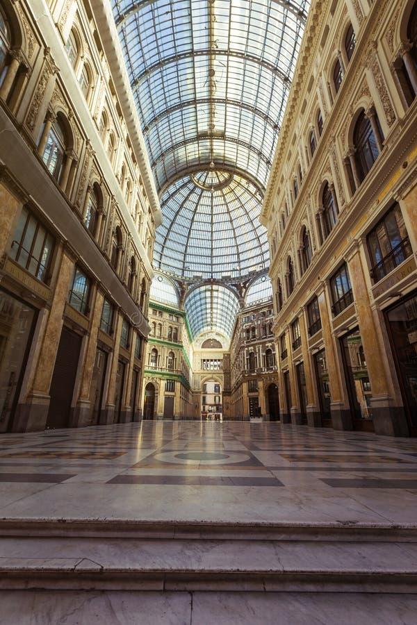 圆顶场所翁贝托我在那不勒斯,意大利 免版税库存图片