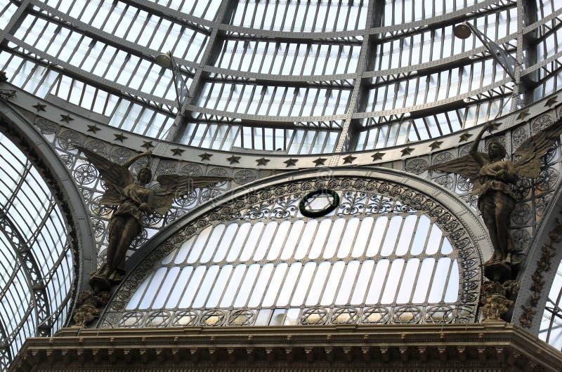 圆顶场所翁贝托玻璃圆顶我,那不勒斯,意大利 免版税库存照片