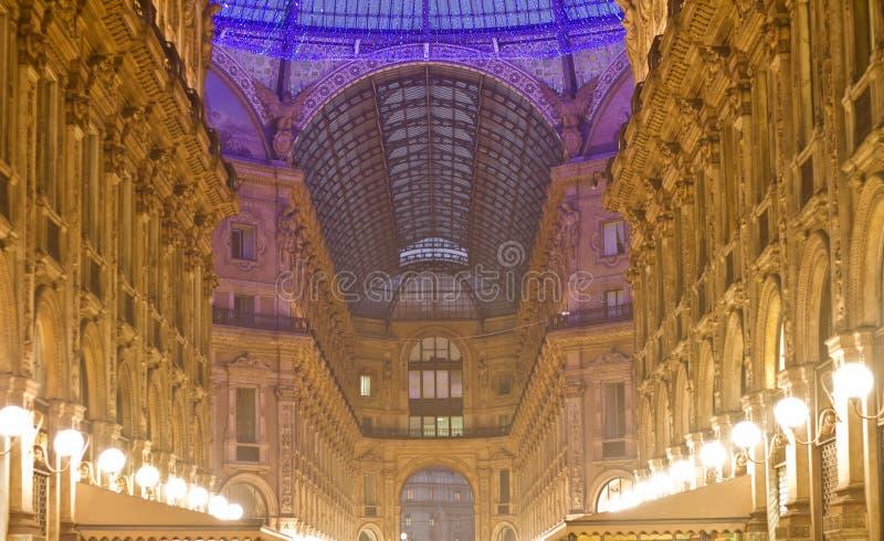 圆顶场所维托里奥Emanuele夜内部 免版税库存照片