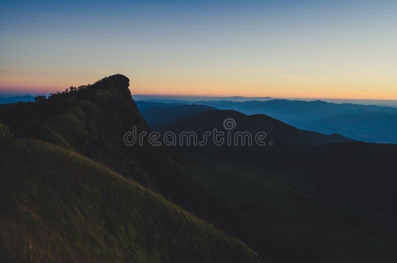 土井星期一Jong有一个美好的风景充满山脉 免版税库存照片