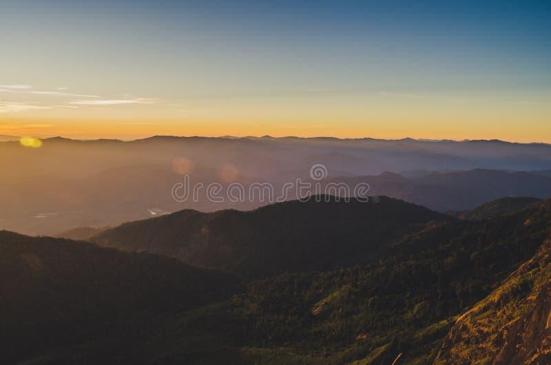 土井星期一Jong有一个美好的风景充满山脉 免版税图库摄影