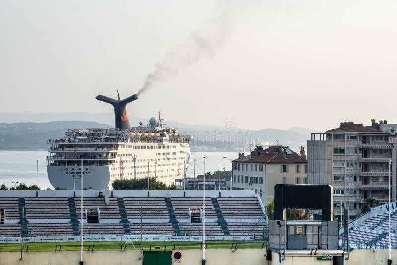 土伦、港口和体育场 免版税图库摄影