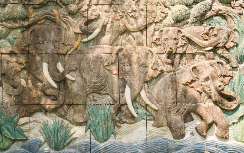 土制大象瓦片墙壁 库存照片