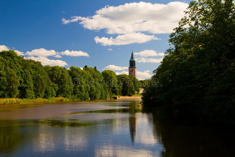 Download 土尔库 库存图片. 图片 包括有 夏天, 气氛, 芬兰, 大教堂, 蓝色, 天空, 结构树 - 22358807