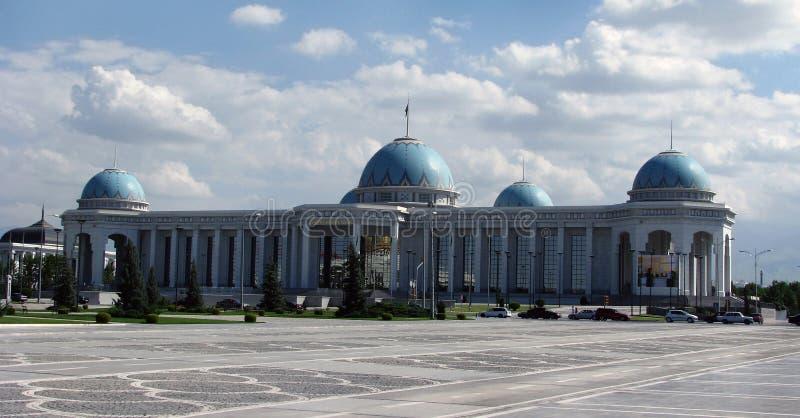 土库曼斯坦-阿什伽巴特, parlament Medjlis宫殿  库存图片