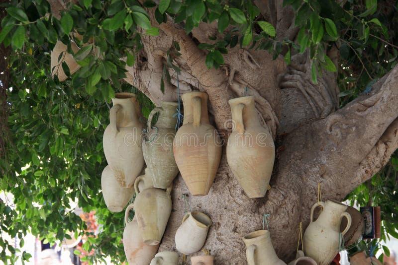黏土手工制造水罐 库存图片