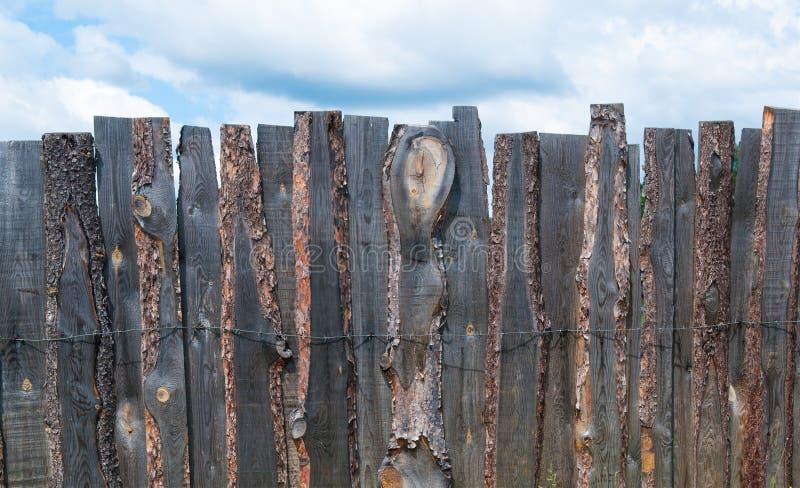 土气木板篱芭 库存图片