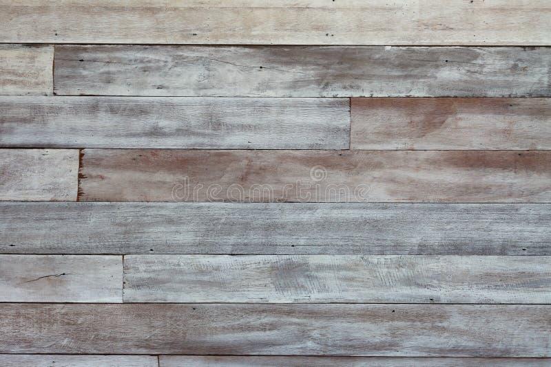 土气木构造与减速火箭和葡萄酒背景设计的退色的白色油漆 免版税库存图片