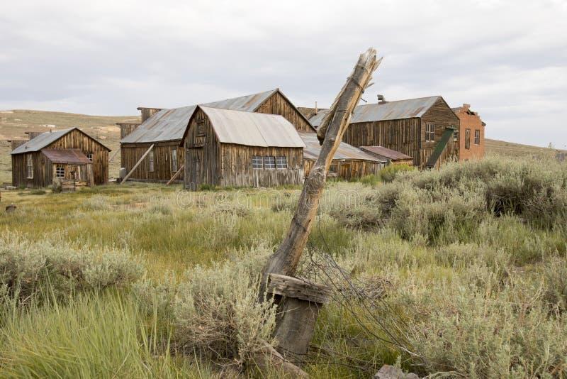 土气木结构在Bodie,加利福尼亚 库存图片