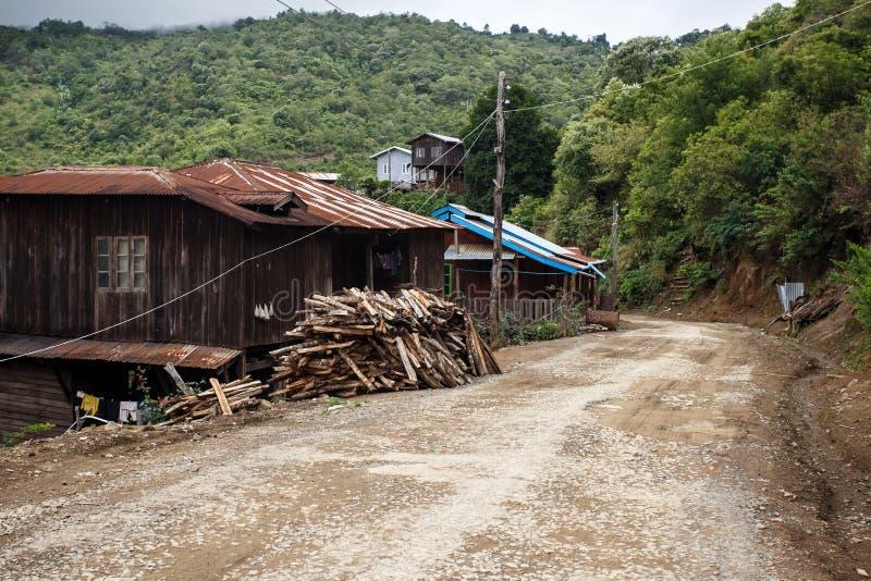 土气村庄在缅甸 库存图片