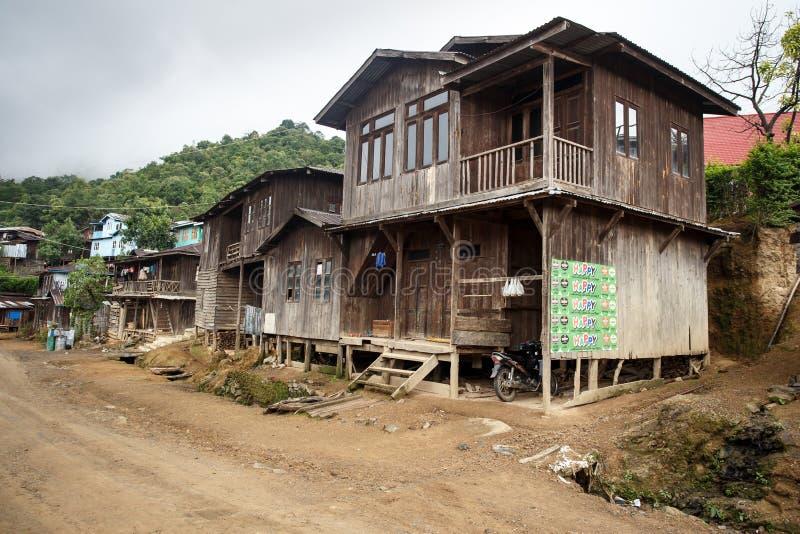 土气村庄在缅甸 免版税库存照片