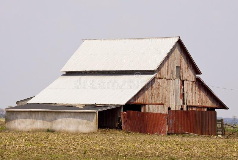 土气的谷仓 免版税库存照片