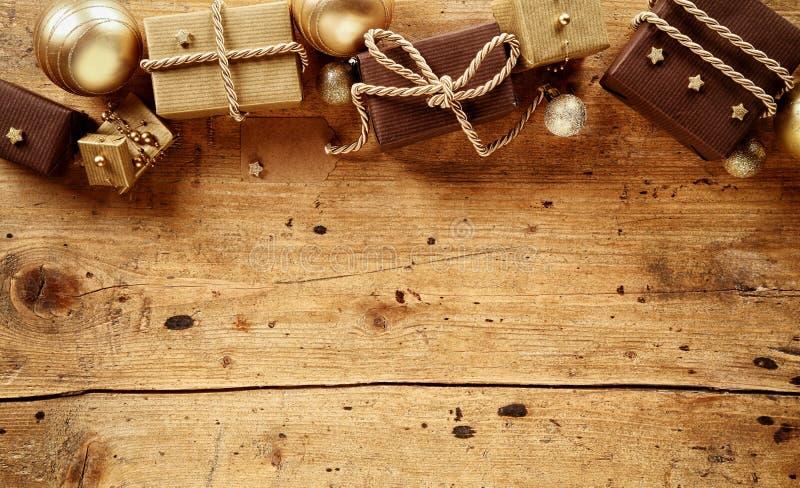 土气褐色和金子主题的圣诞节边界 库存照片