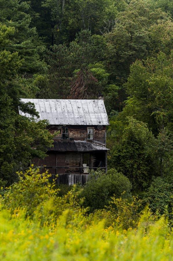 土气,被放弃的家的阿巴拉契亚山脉-马里兰 免版税库存图片