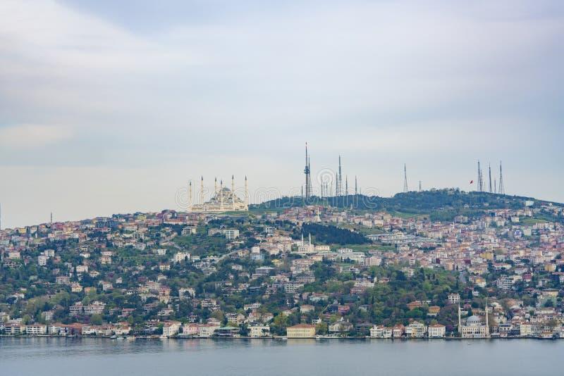土耳其伊斯坦布尔坎姆利卡清真寺 免版税库存图片