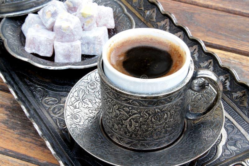 土耳其咖啡和土耳其快乐糖 库存照片
