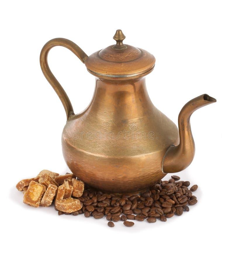 土耳其咖啡罐和焦糖 库存图片