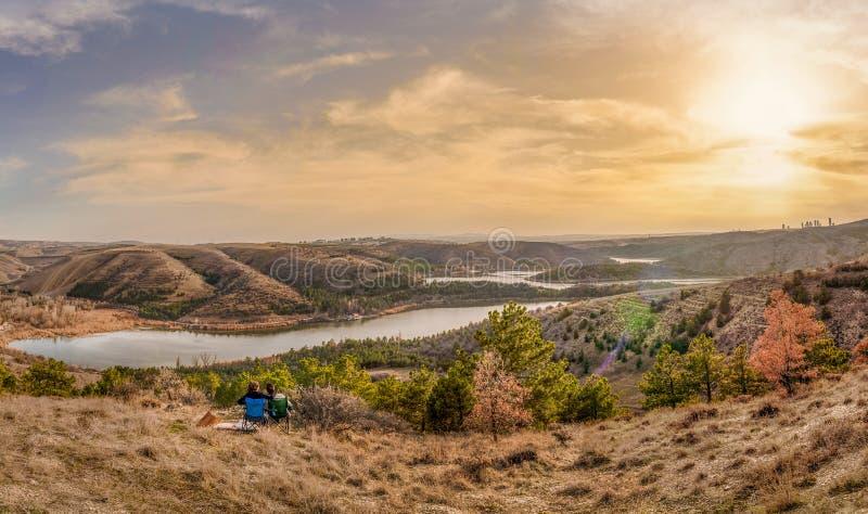土耳其安卡拉日落时的伊米尔湖全景 免版税库存照片