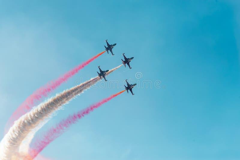 土耳其星是土耳其空军队的特技示范队 免版税图库摄影