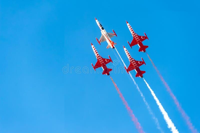 土耳其星是土耳其空军队的特技示范队 库存图片