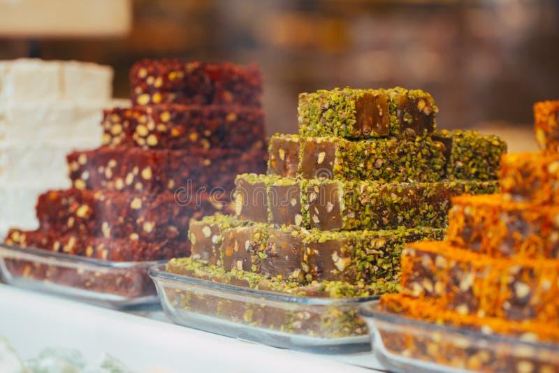 土耳其甜点在埃及义卖市场 E ?? 库存图片