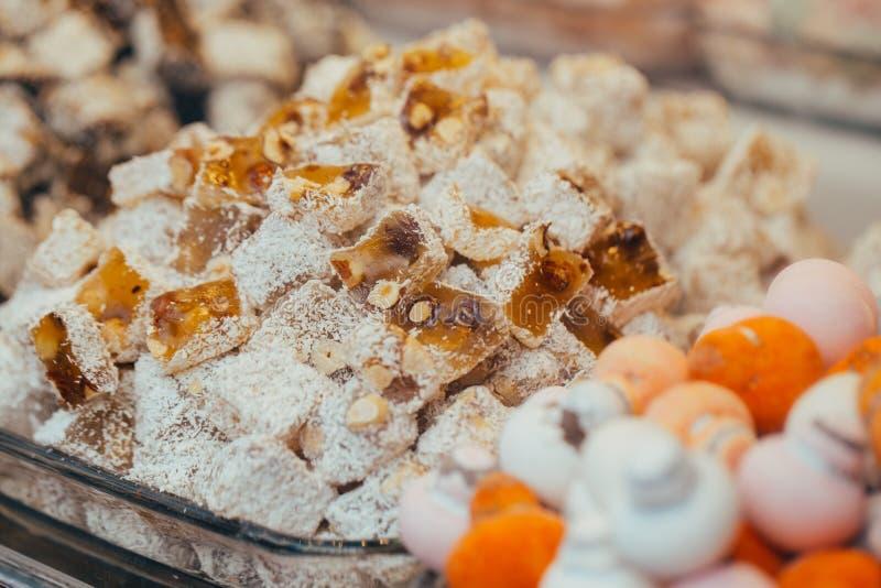 土耳其甜点在埃及义卖市场 E ?? 库存照片