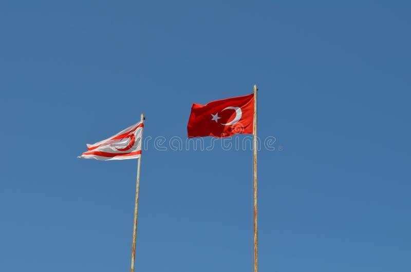 土耳其的旗子和北赛普勒斯土耳其共和国的旗子 库存图片