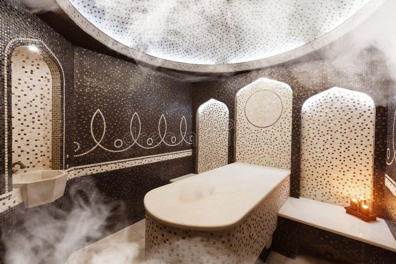 土耳其蒸汽浴,经典土耳其hammam内部  免版税库存图片