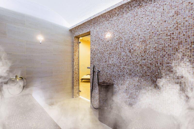 土耳其蒸汽浴,经典土耳其hammam内部  库存图片