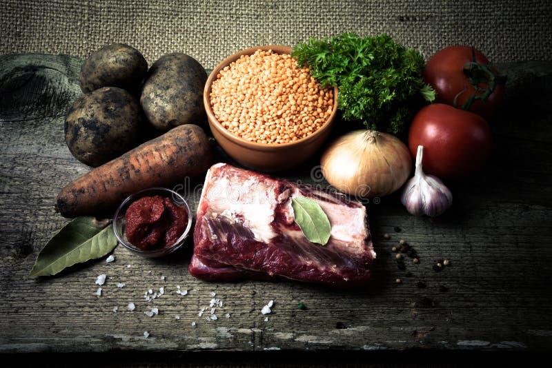 土耳其蔬菜汤的成份用红色小扁豆,说谎  库存图片
