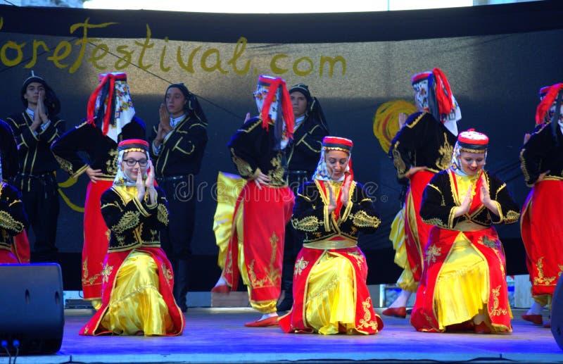 土耳其语舞蹈小组表现 免版税库存图片