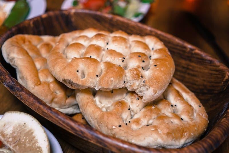 土耳其语赖买丹月皮塔饼面包 库存照片