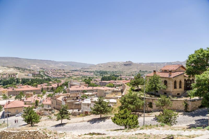 土耳其, Urgup 城市的看法山背景的  库存照片