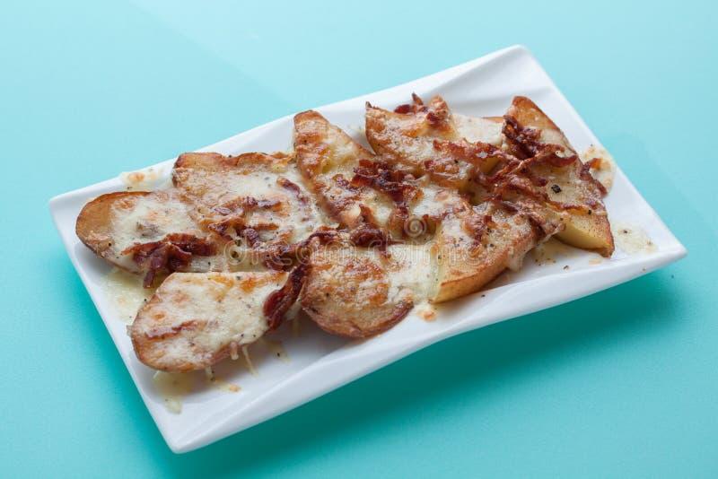 Download 土豆乳酪烟肉 库存图片. 图片 包括有 苹果酱, 厨师, 午餐, 膳食, 酥脆, 可口, 装饰, 饮食, 平底锅 - 62534555