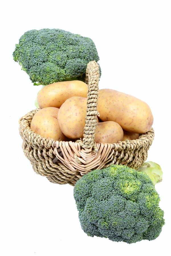 土豆和硬花甘蓝 免版税库存照片