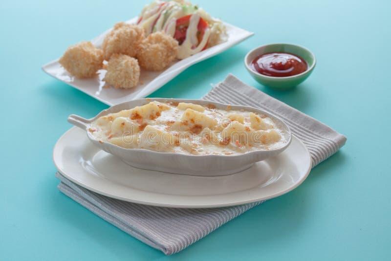 Download 土豆澳大利亚焦干酪 库存照片. 图片 包括有 提取乳脂, 陶瓷, 焦干酪, 蔬菜, 餐馆, 自创, 细菌学 - 62535388