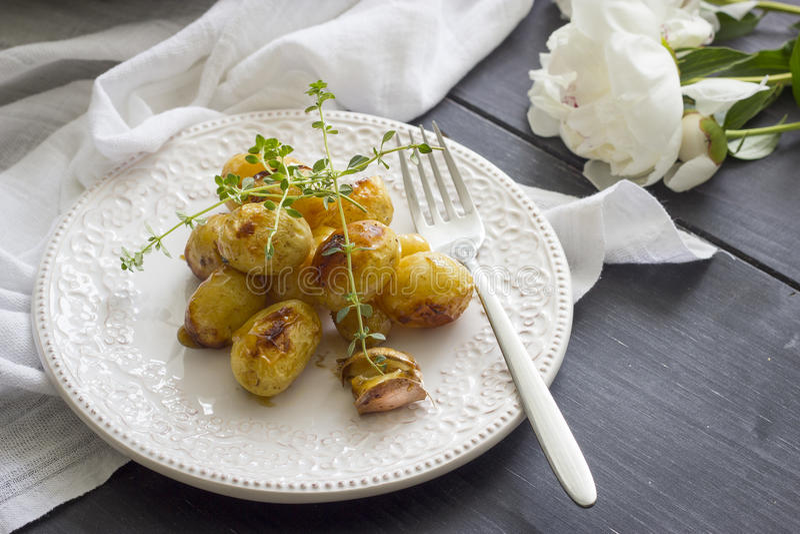 土豆烤了 免版税库存照片