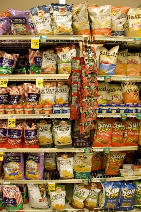 土豆片在超级市场 免版税库存图片