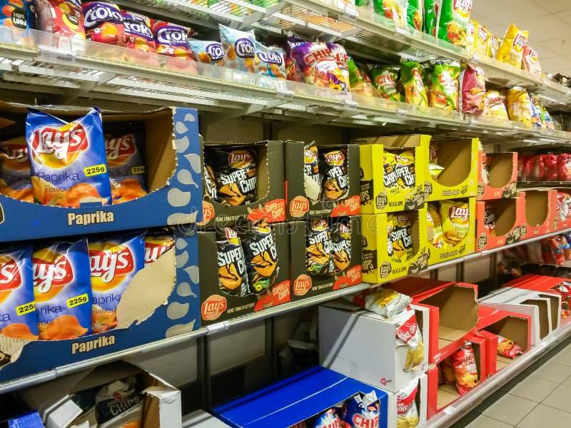 土豆片在超级市场 库存照片