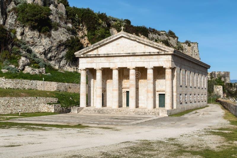 圣乔治教会在老拜占庭式的堡垒,科孚岛海岛, Kerkyra,希腊 教会在1840年建造由英国mili 图库摄影
