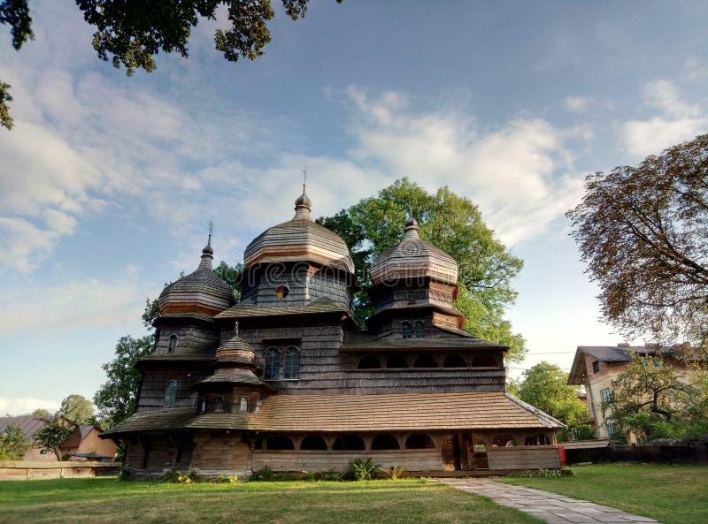 圣乔治老木教会在德罗霍贝奇 图库摄影