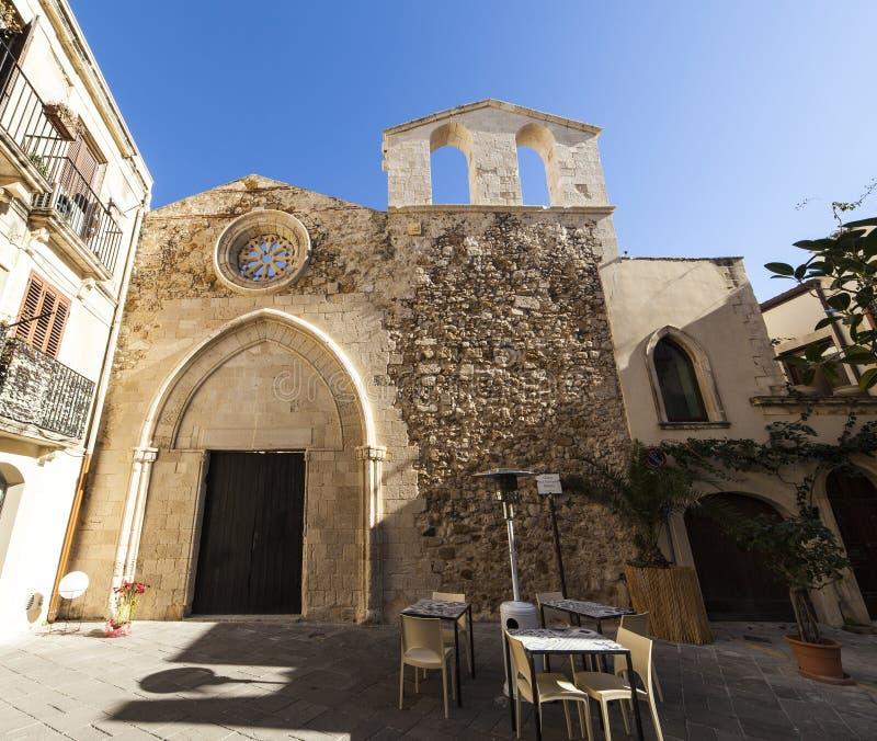 圣乔瓦尼巴蒂斯塔教会的看法, Ortigia 免版税库存图片